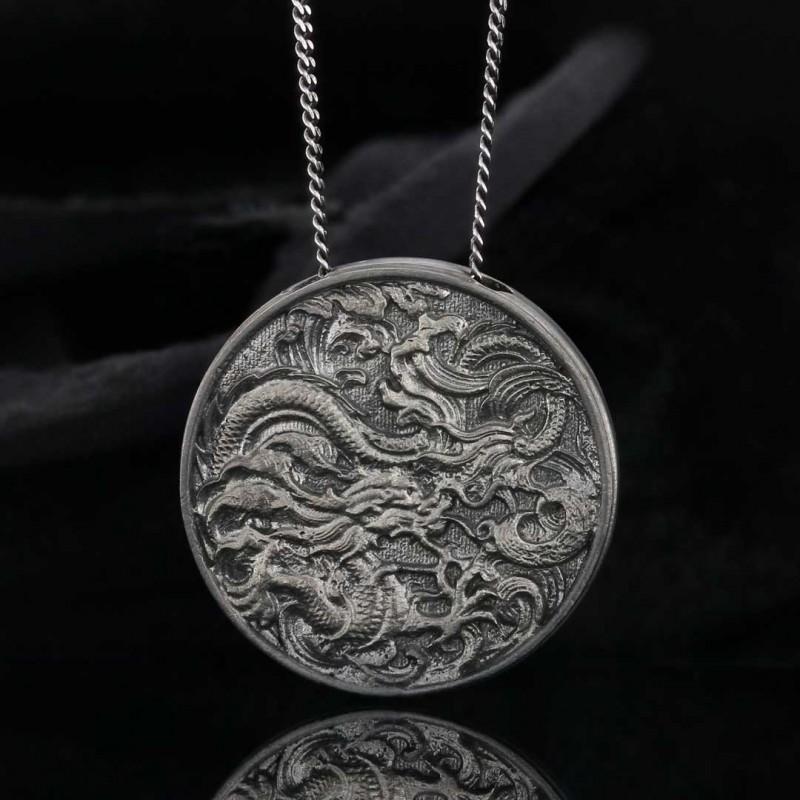 Gümüş Ejderha Kolye